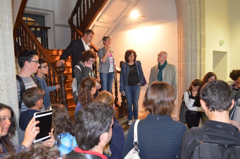 Le groupe visite l'ancienne mairie
