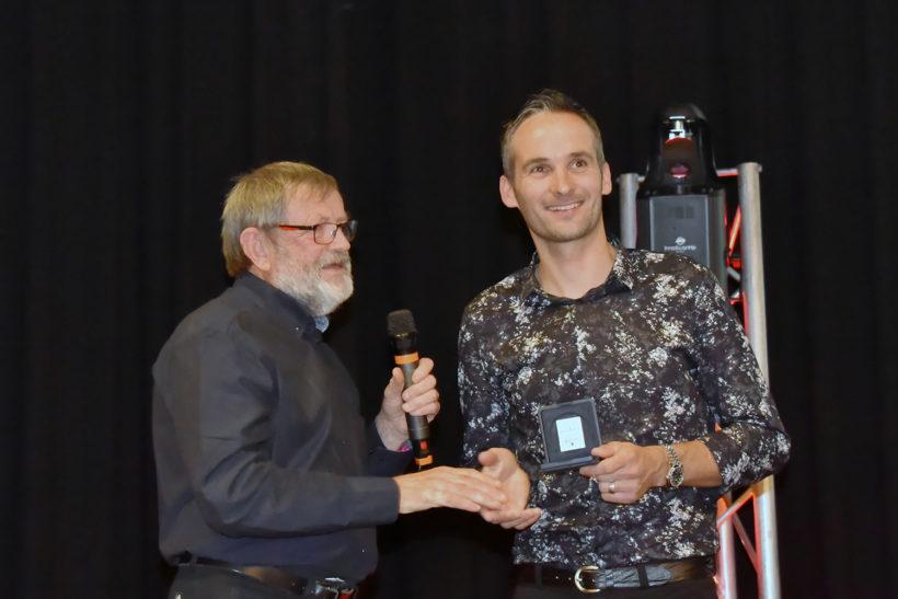 Remise de la medaille de la commune de Peaule par Mr le maire