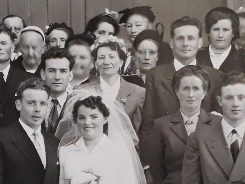 Photo de mariage après la guerre : le marié est Rémy Pondard.